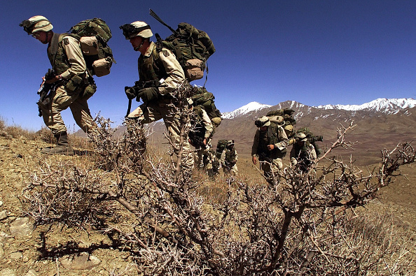 Extreme Terrain「U.S. and Canadian Troops Hunt Taliban and al Qaeda Fighters」:写真・画像(15)[壁紙.com]