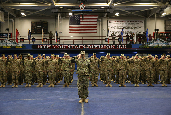 USA「10th Mountain Troops Return From Iraq Deployment」:写真・画像(14)[壁紙.com]