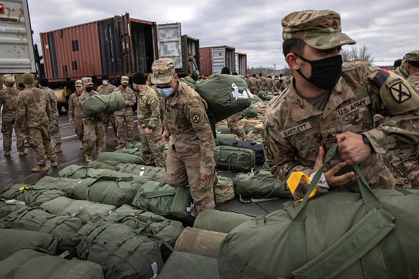 USA「10th Mountain Troops Return To Fort Drum As Part Of US Drawdown From Afghanistan」:写真・画像(15)[壁紙.com]