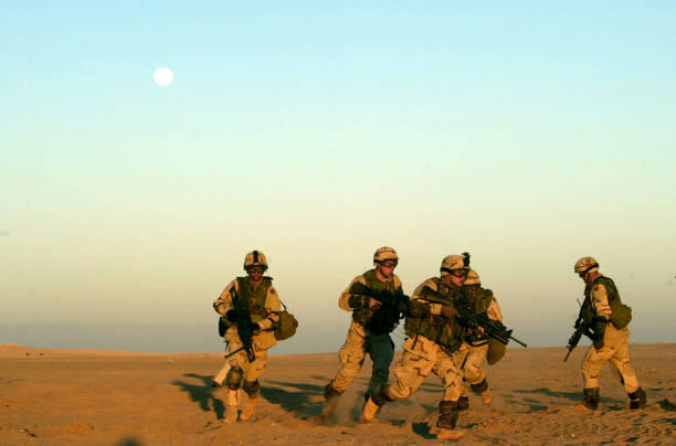 U.S. Army Trains In Kuwaiti Desert:ニュース(壁紙.com)