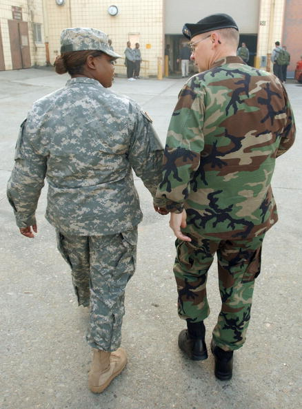 Ergonomics「New Army Combat Uniform Debuts At Fort Stewart」:写真・画像(16)[壁紙.com]