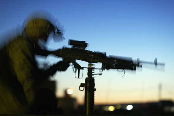 In Silhouette「U.S. Army Conducts Raid On Home In Tallafar, Iraq」:写真・画像(11)[壁紙.com]