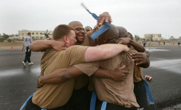 Touchdown「U.S. Soldiers Celebrate Thanksgiving In Iraq」:写真・画像(19)[壁紙.com]