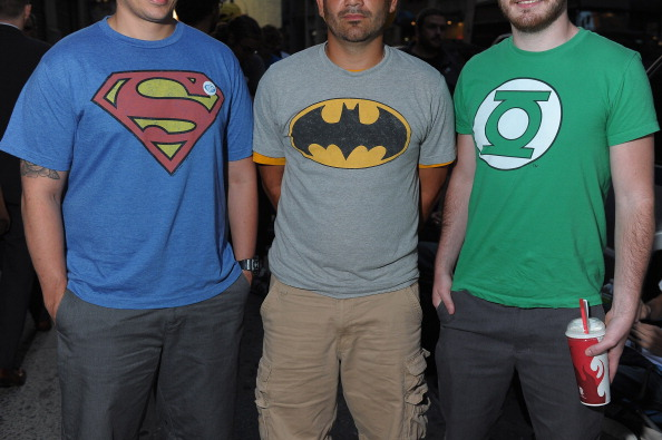 Action Movie「Hundreds of Super Hero Fans Line-Up Early as DC Entertainment Launches New Era of Comic Books」:写真・画像(4)[壁紙.com]