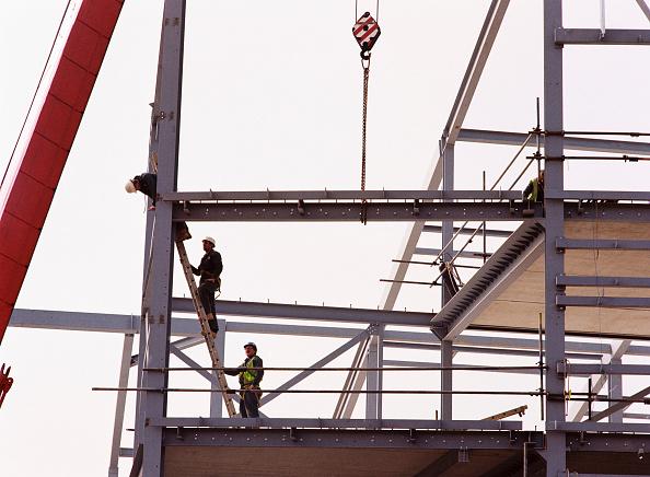 建造物「Steelwork being craned into position」:写真・画像(13)[壁紙.com]