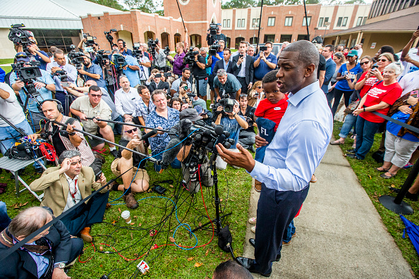 Tallahassee「FL Gubernatorial Candidate Andrew Gillum Casts His Vote In Midterm Election」:写真・画像(12)[壁紙.com]