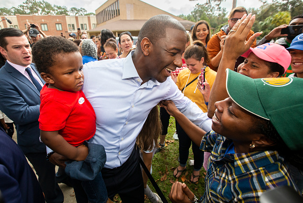 Tallahassee「FL Gubernatorial Candidate Andrew Gillum Casts His Vote In Midterm Election」:写真・画像(11)[壁紙.com]