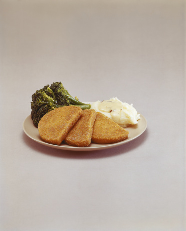 1967「Cutlet and broccoli on plate 」:スマホ壁紙(10)
