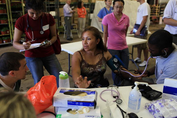 Medical Clinic「Health Clinic Held For Migrant Farm Workers In Connecticut」:写真・画像(14)[壁紙.com]
