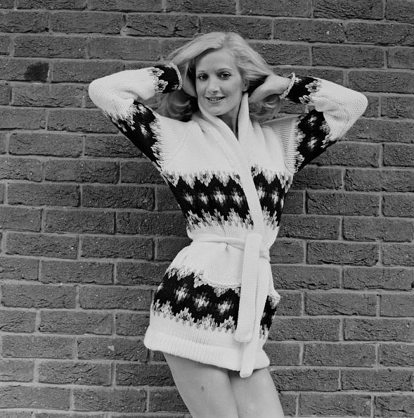 Cardigan Sweater「Cardigan Sweater」:写真・画像(2)[壁紙.com]