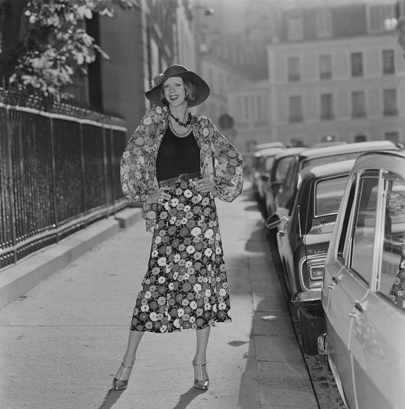 Skirt「Yves Saint Laurent」:写真・画像(5)[壁紙.com]