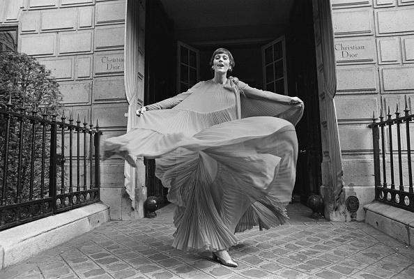 Evening Gown「Christian Dior Fashion」:写真・画像(10)[壁紙.com]