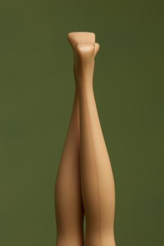Doll「fashion dolls legs pointing up」:スマホ壁紙(11)