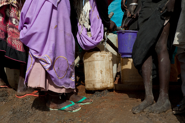 Bucket「Refugee Camp In South Sudan」:写真・画像(9)[壁紙.com]