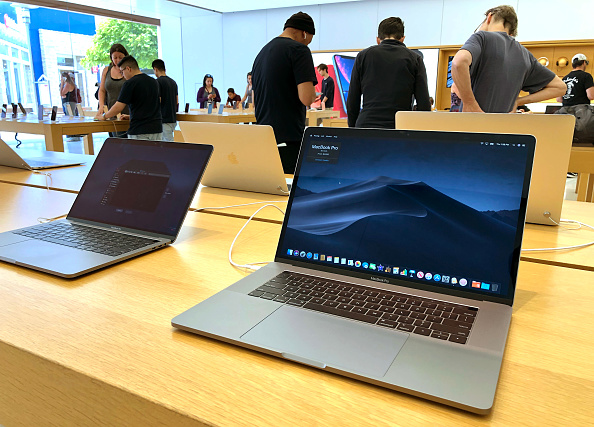 Laptop「Apple Recalls Approximately 500,000 15-Inch MacBook Pro Computers For Fire Hazard」:写真・画像(10)[壁紙.com]