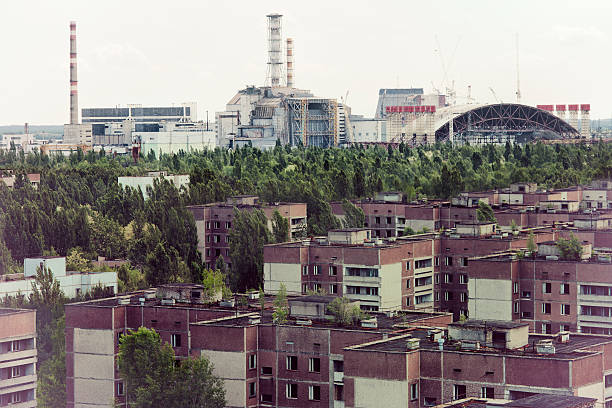 Chernobyl nuclear reactor and Pripyat ghost town:スマホ壁紙(壁紙.com)
