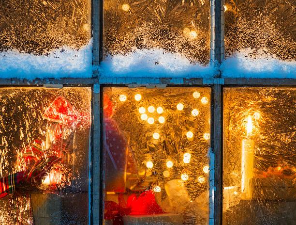 USA, New Jersey, Window with Christmas lights:スマホ壁紙(壁紙.com)