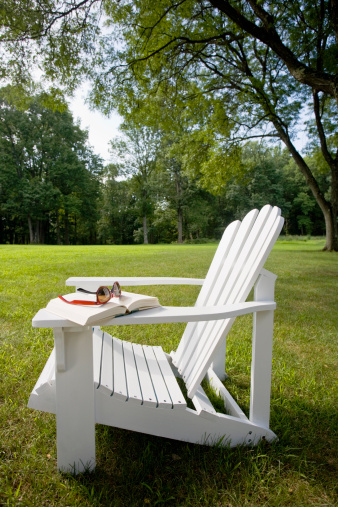 Side View「USA, New Jersey, Adirondack chair on lawn」:スマホ壁紙(7)