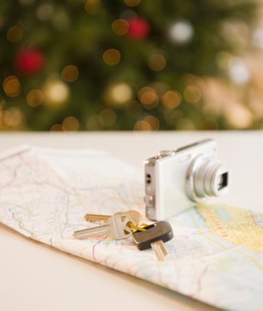 旅行「USA, New Jersey, Jersey City, Car keys and camera on map」:スマホ壁紙(16)