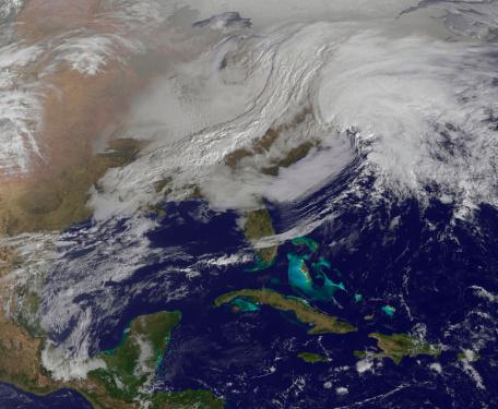 雪が降る「Two low pressure systems merging over the United States east coast.」:スマホ壁紙(14)
