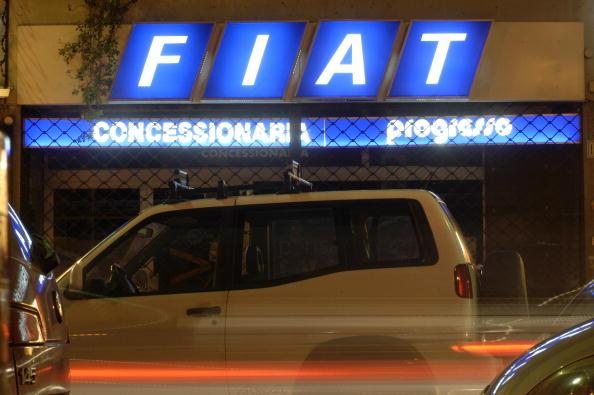 Franco Origlia「Fiat Plans Big Layoffs As Stock Price, Sales Falter」:写真・画像(6)[壁紙.com]