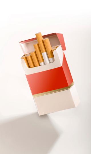Cigarette「Cigarette pack on white」:スマホ壁紙(12)