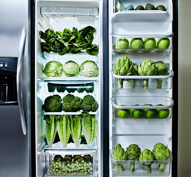Green vegetables in refrigerator:スマホ壁紙(壁紙.com)