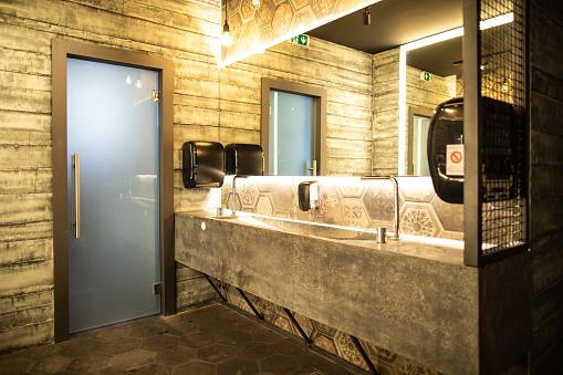 Toilet「Luxurious public restroom in restaurant」:スマホ壁紙(19)