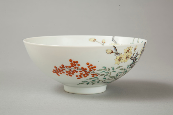 Pottery「Famille rose bowl with floral decoration, 20th century」:写真・画像(19)[壁紙.com]