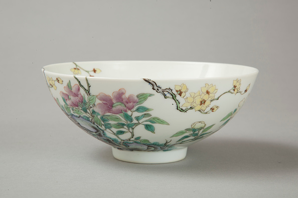 Deciduous tree「Famille rose bowl with floral decoration, 20th century」:写真・画像(15)[壁紙.com]