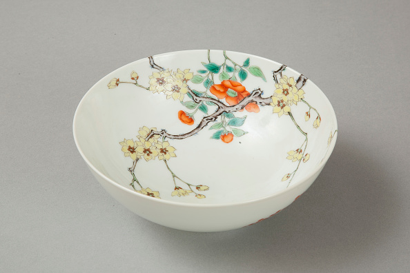 Deciduous tree「Famille rose bowl with floral decoration, 20th century」:写真・画像(14)[壁紙.com]