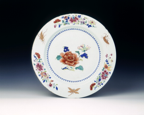 Chrysanthemum「Famille rose dish with chrysanthenums and insects, Qing dynasty, China, 1730-1750.」:写真・画像(4)[壁紙.com]