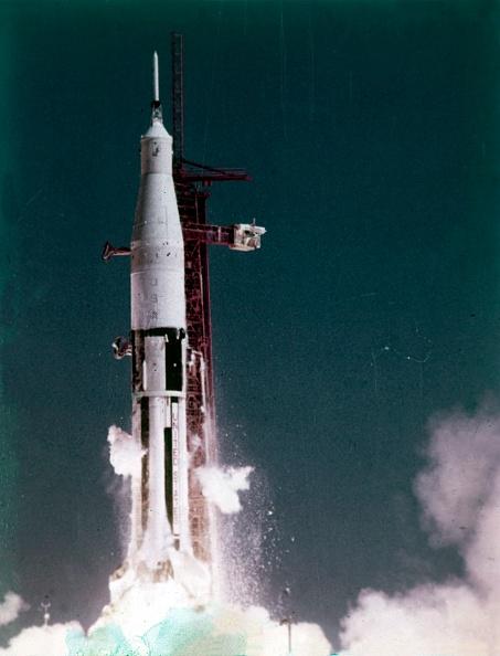 Karlsruher SC「Saturn V Rocket Lifting Off」:写真・画像(10)[壁紙.com]