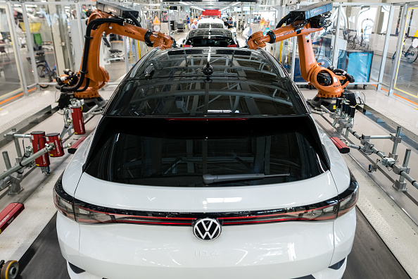 Mode of Transport「Volkswagen Revs Up ID.4 Electric Car Production」:写真・画像(11)[壁紙.com]
