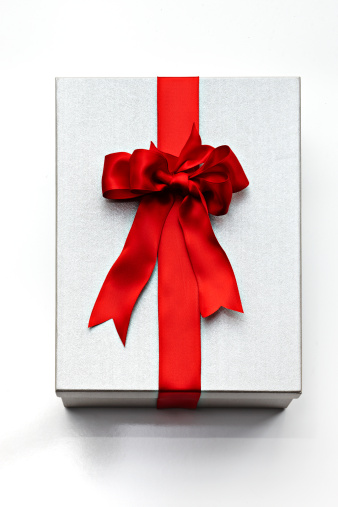 Silver Colored「silver gift box with red ribbon」:スマホ壁紙(9)