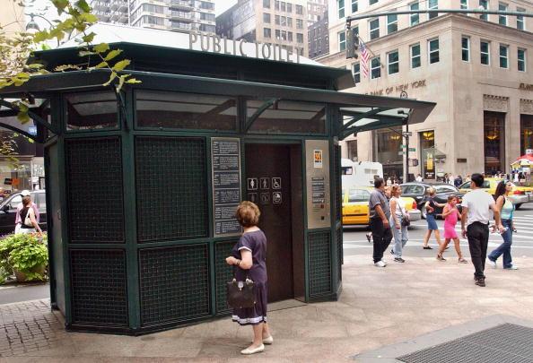 Toilet「Public Toilets In Use In New York City」:写真・画像(19)[壁紙.com]