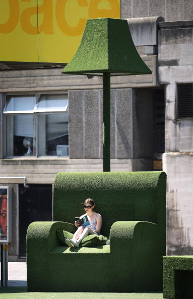 Armchair「The UK Swelters In Hot Summer Sun」:写真・画像(5)[壁紙.com]