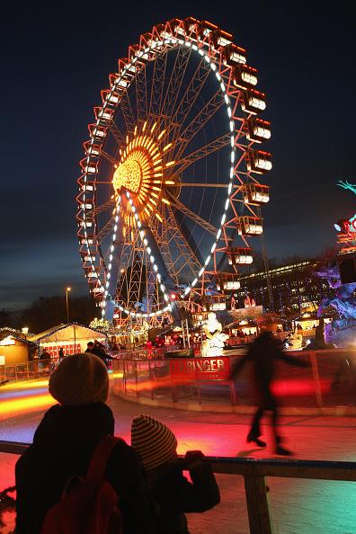 Ice Rink「Christmas Markets Open In Berlin」:写真・画像(5)[壁紙.com]