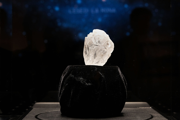 ダイヤモンド「Sotheby's To Auction Off Largest Diamond Discovered In 100 Years」:写真・画像(5)[壁紙.com]