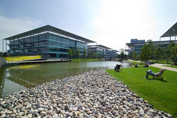 Environmental Conservation「Chiswick Business Park interior, London, UK Designed by Richard Rogers Chiswick Business Park is a new sustainable development in West London」:写真・画像(13)[壁紙.com]