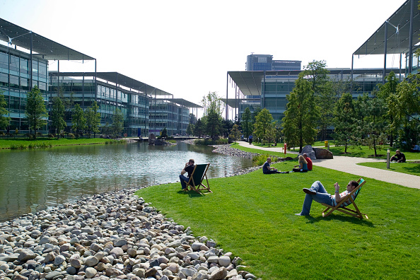 Modern「Chiswick Business Park interior, London, UK Designed by Richard Rogers Chiswick Business Park is a new sustainable development in West London」:写真・画像(5)[壁紙.com]