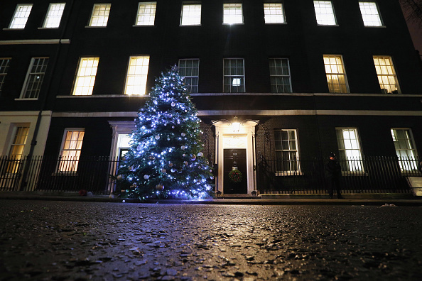Christmas Decoration「Downing Street Christmas Tree Switch On」:写真・画像(7)[壁紙.com]
