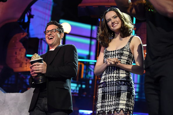 Emma McIntyre「2016 MTV Movie Awards - Show」:写真・画像(7)[壁紙.com]