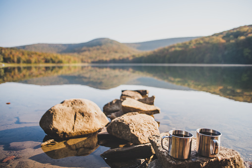 Weekend Activities「Camping And Drinking Morning Coffee near a lake」:スマホ壁紙(3)