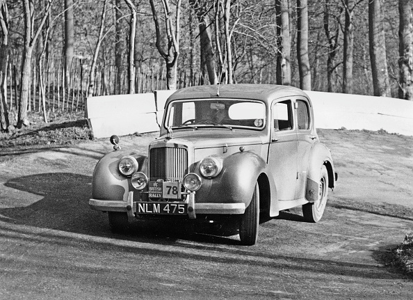 Hairpin Curve「1953 Alvis Ta21 On 1954 R.A.C. Rally. Creator: Unknown.」:写真・画像(3)[壁紙.com]
