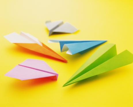Airplane「Origami Planes and papers, High Angle View」:スマホ壁紙(0)