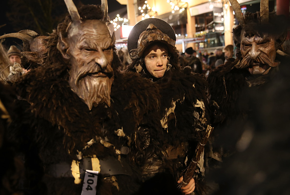Horned「Krampus Creatures Parade On Saint Nicholas Day」:写真・画像(16)[壁紙.com]