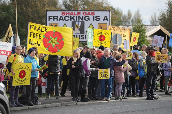 Shale「Demonstrators Protest At Lancashire Fracking Decision」:写真・画像(8)[壁紙.com]