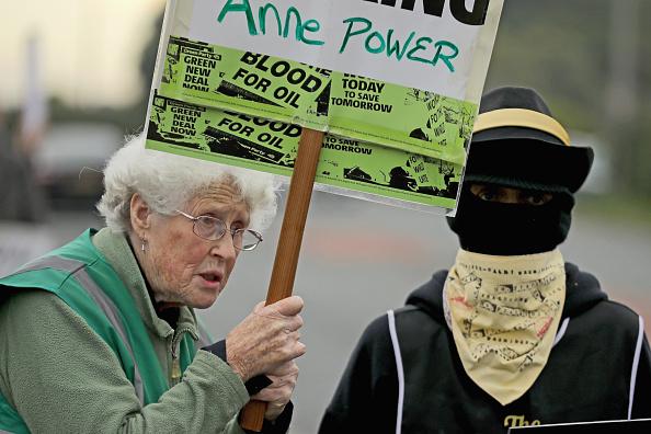 Shale「Demonstrators Protest At Lancashire Fracking Decision」:写真・画像(13)[壁紙.com]