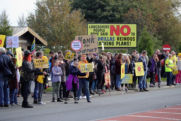 Shale「Demonstrators Protest At Lancashire Fracking Decision」:写真・画像(4)[壁紙.com]